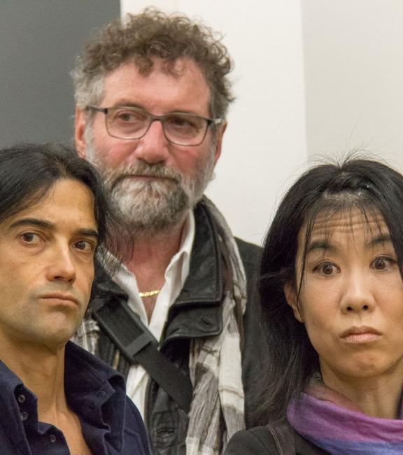 BURN-IN Ausstellung Irrgarten | Aldo Pallaro (Mitte), Minori Shimizu (rechts)