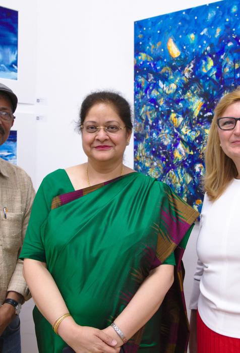Asit Podda (Künstler), Sonja Dolzer (BURN-IN Inhaberin), Dr. Renu Pall (indische Botschafterin)